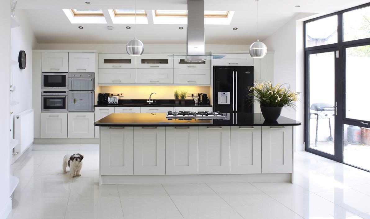 Kuhinje po meri beograd urbanenterijer for Classic contemporary kitchen design ideas